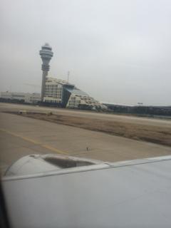 定刻に上海浦東空港に到着