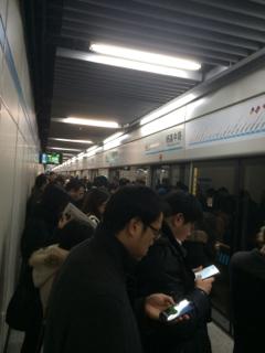 本文と関係ありませんが、最近上海地下鉄9号線のトラブルが多い