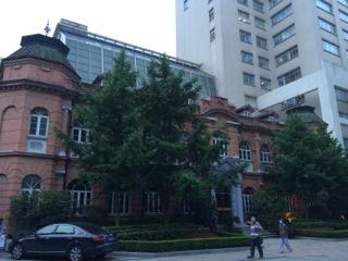 上海の西洋医学の総合病院の一つ、華山医院