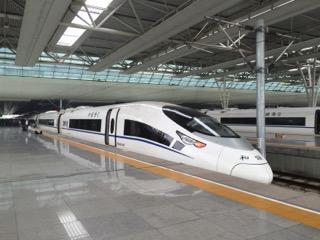 上海虹橋駅にて