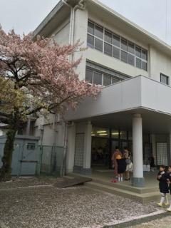 小学校の入学式にて
