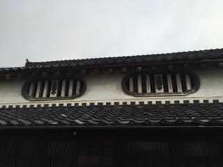 虫籠窓(むしこまど)
