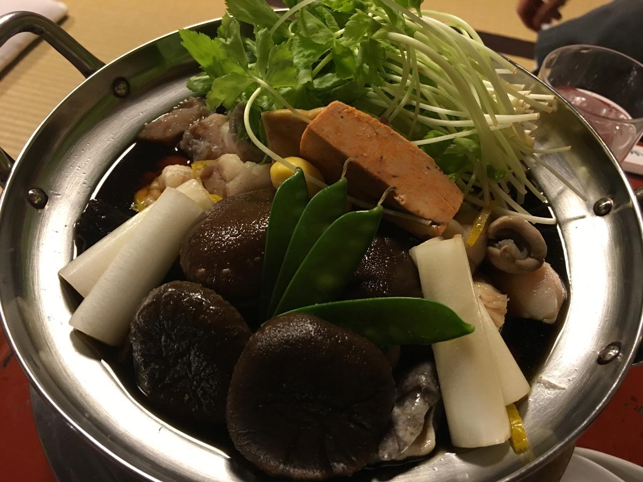 東京神田「いせ源」さんのあんこう鍋