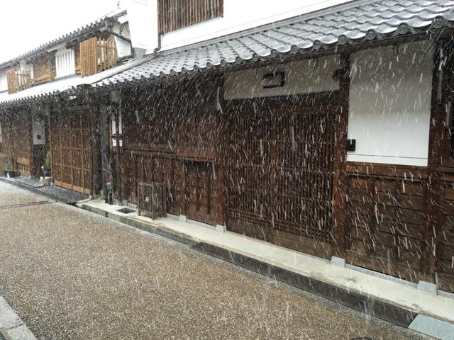 雪模様の今井町